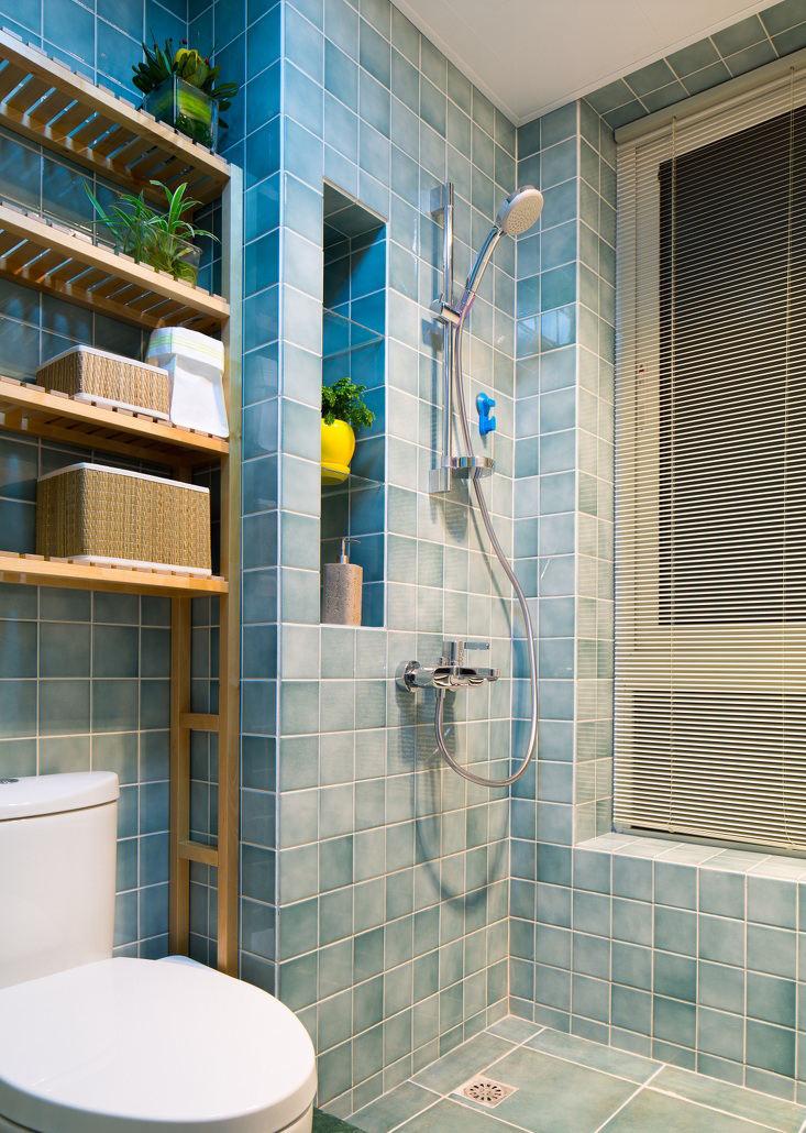 装修百科 装修效果图 装修美图 蓝色清凉简约卫生间瓷砖装饰图 蓝色