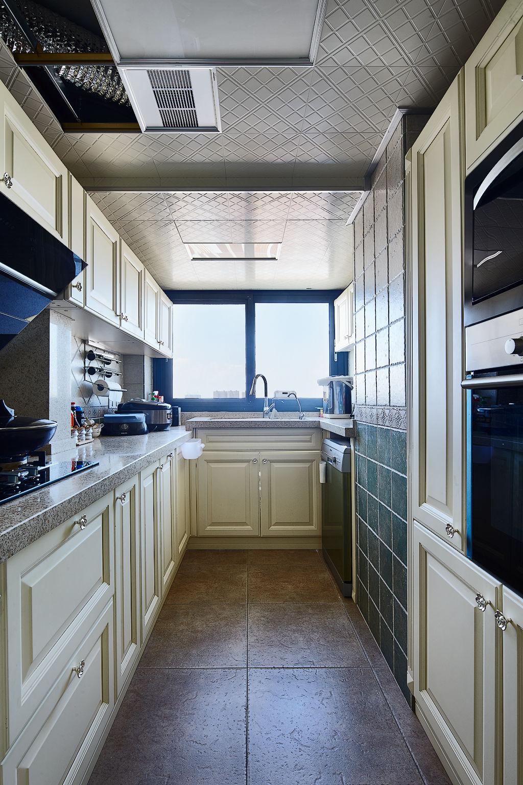 装修百科 装修效果图 装修美图 时尚简约家居厨房窗户设计 时尚简约