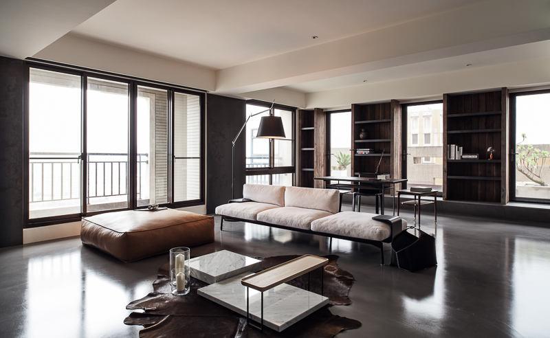黑色現代風客廳窗戶設計