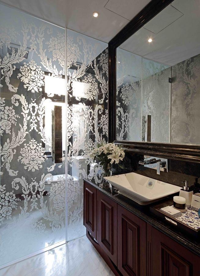 古典美式风格家居卫生间印花玻璃隔断效果图_装修百科
