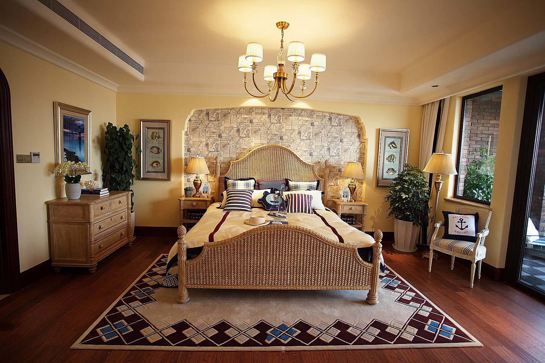 怀旧贵气美式风格卧室金属吊灯装饰效果图_装修百科图片
