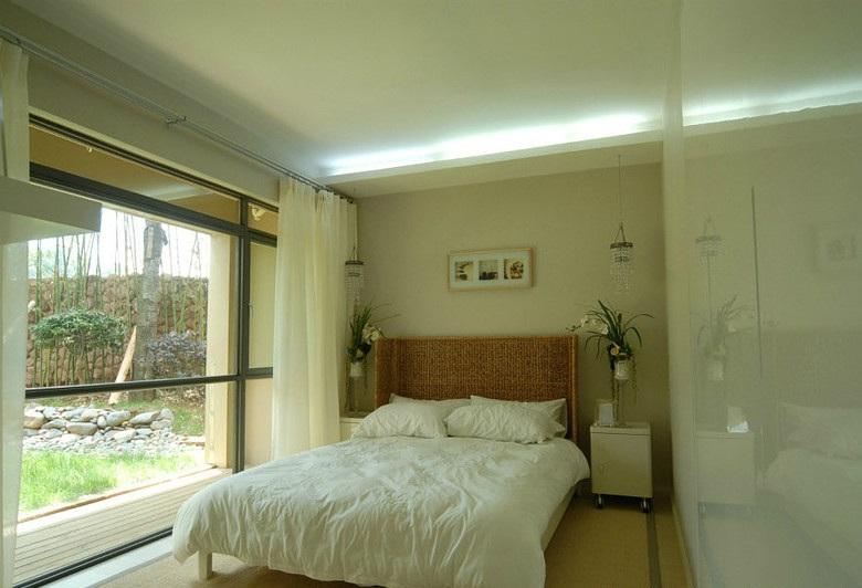 现代简约装饰风格卧室落地窗设计_装修百科
