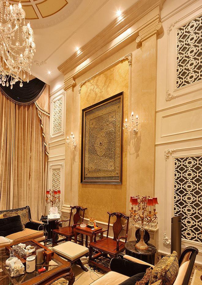大气豪华欧式挑高客厅背景墙设计装潢图_装修百科