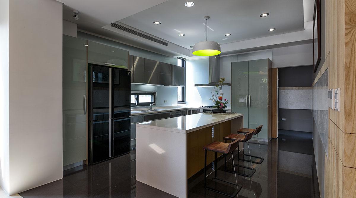 装修百科 装修效果图 装修美图 后现代设计风格厨房大理石吧台设计 后