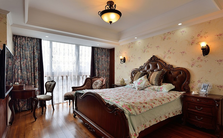 高雅古典欧式风格卧室家具装饰图