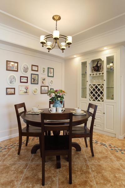 美式设计风格餐厅相片墙装饰图_装修百科