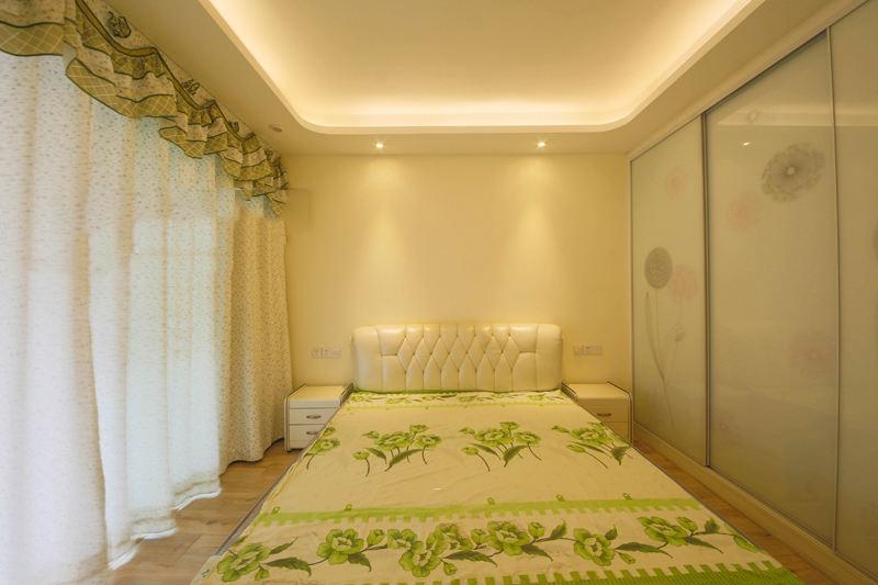 青綠色唯美簡約臥室裝潢效果圖