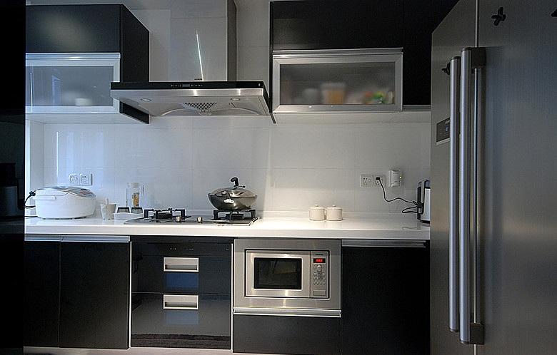 黑白时尚现代厨房局部装修效果图