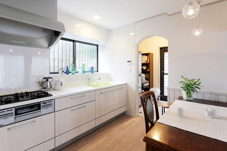 装修百科 装修效果图 装修美图 简约时尚现代日式厨房垭口隔断设计