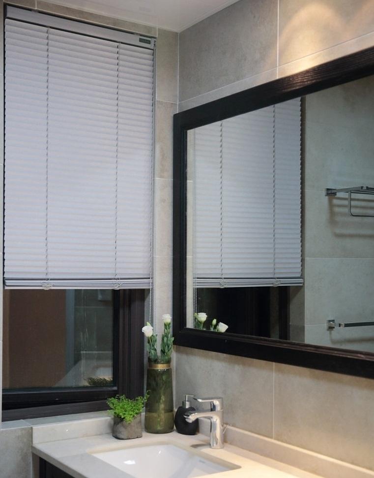 装修百科 装修效果图 装修美图 美式乡村风格卫生间百叶窗设计 美式乡