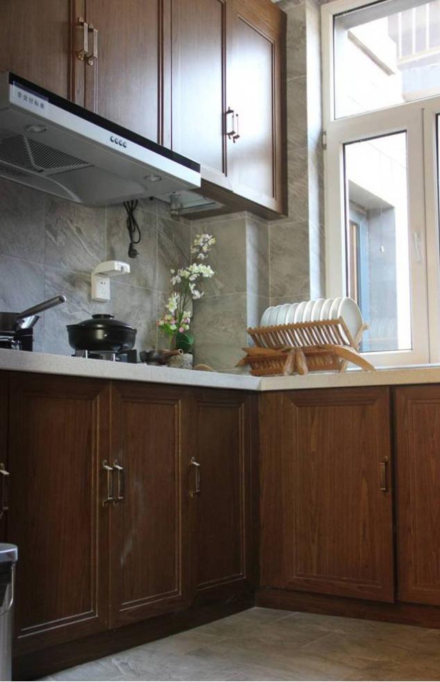 莊重中式裝修風格廚房櫥柜裝飾圖