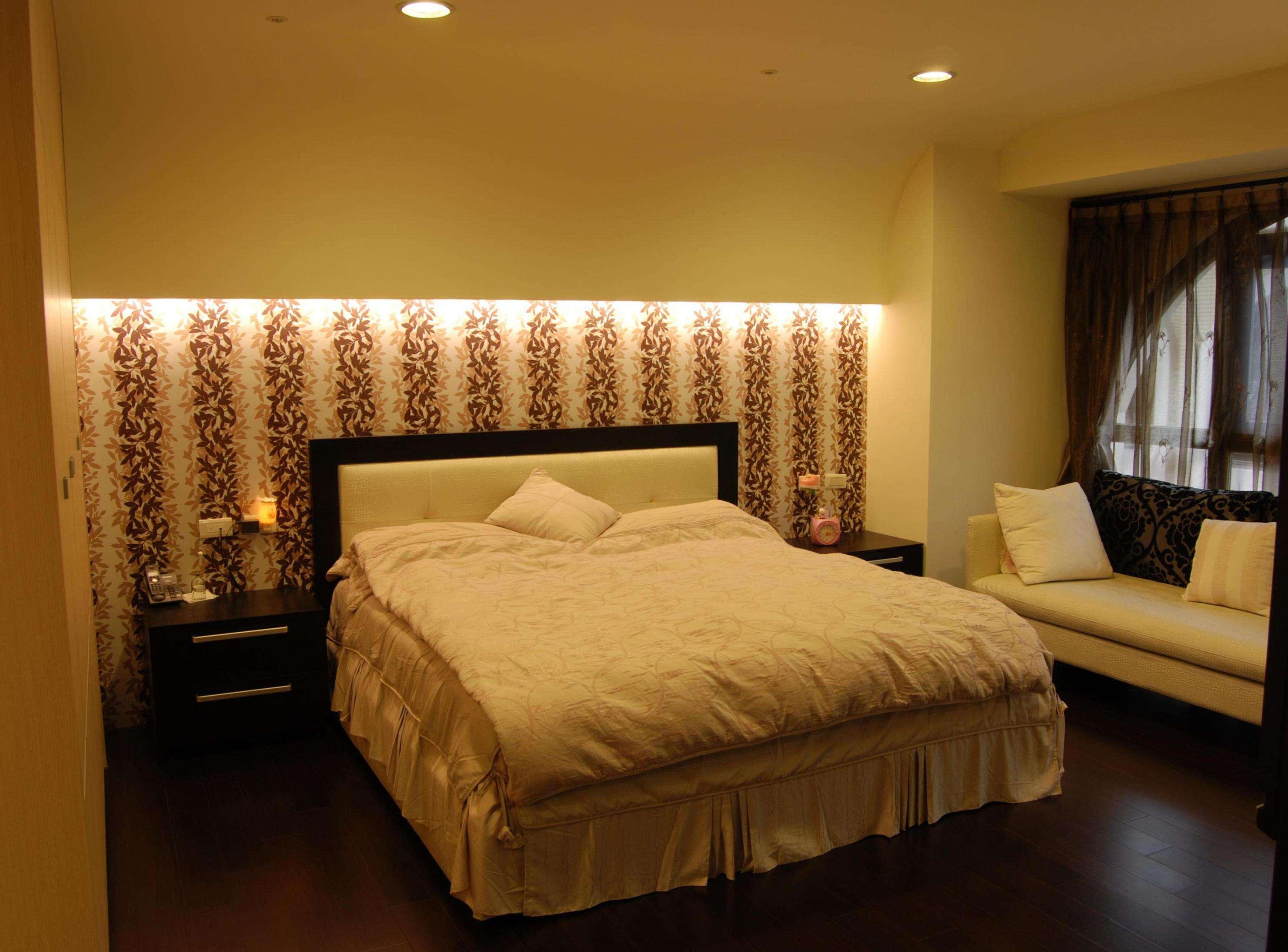 簡約臥室床頭背景墻設計