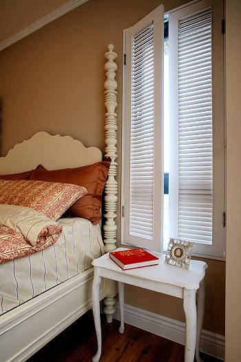 经典复古宜家风格卧室窗户设计装修图_装修百科