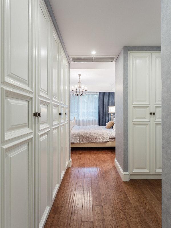 灰白简约美式风格卧室衣帽间设计装修图_装修百科