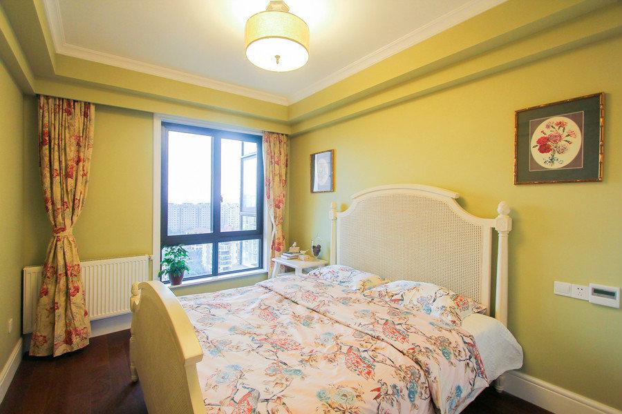 明黃色美式風格臥室設計裝修美圖