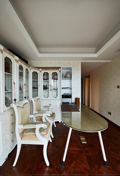 大气豪华欧式风格书房地板装饰效果图_装修百科