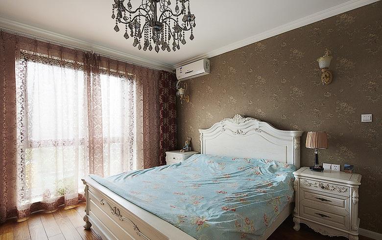 高贵华丽欧式风格卧室丝绸窗帘效果图_装修百科