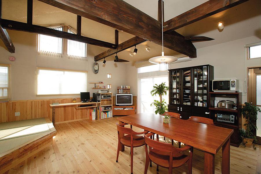 古典原木日式装修风格餐厅吊顶设计效果图_装修百科