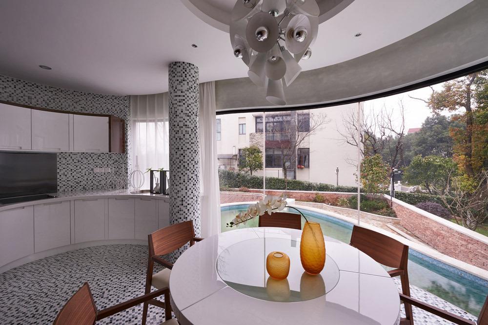 现代装修风格别墅半圆形餐厅设计装修图片