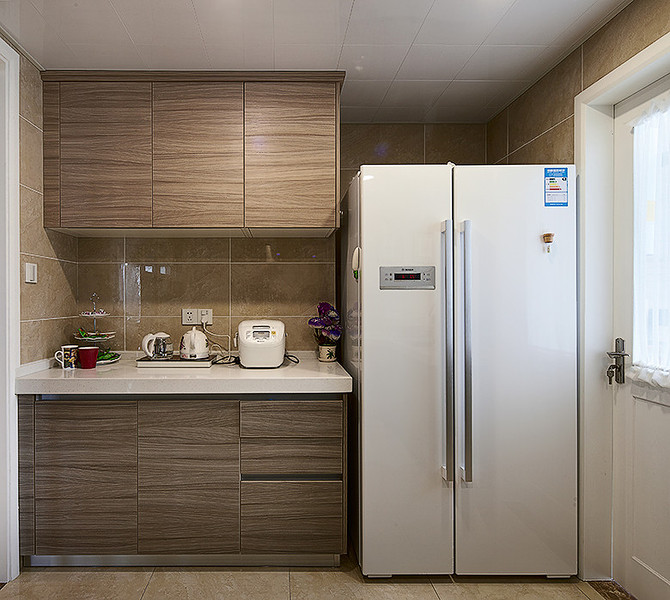 简朴现代原木风三居室装潢效果图例