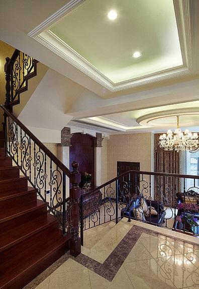 欧式铁艺别墅楼梯装潢设计效果图_装修百科