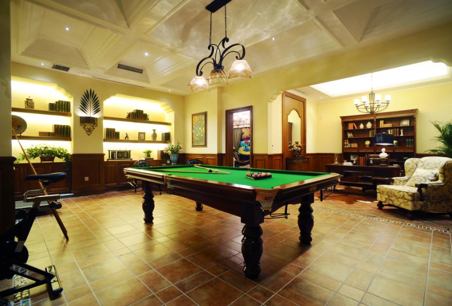 复古欧式装修风格别墅休闲区台球桌设计效果图片_装修百科