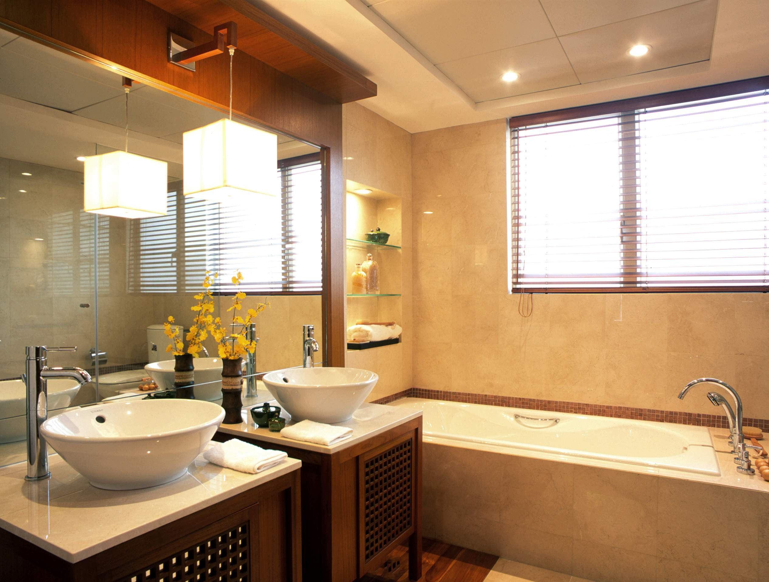 东南亚风格设计别墅卫生间玻璃镜装饰效果图片-卫生间装修效果图片