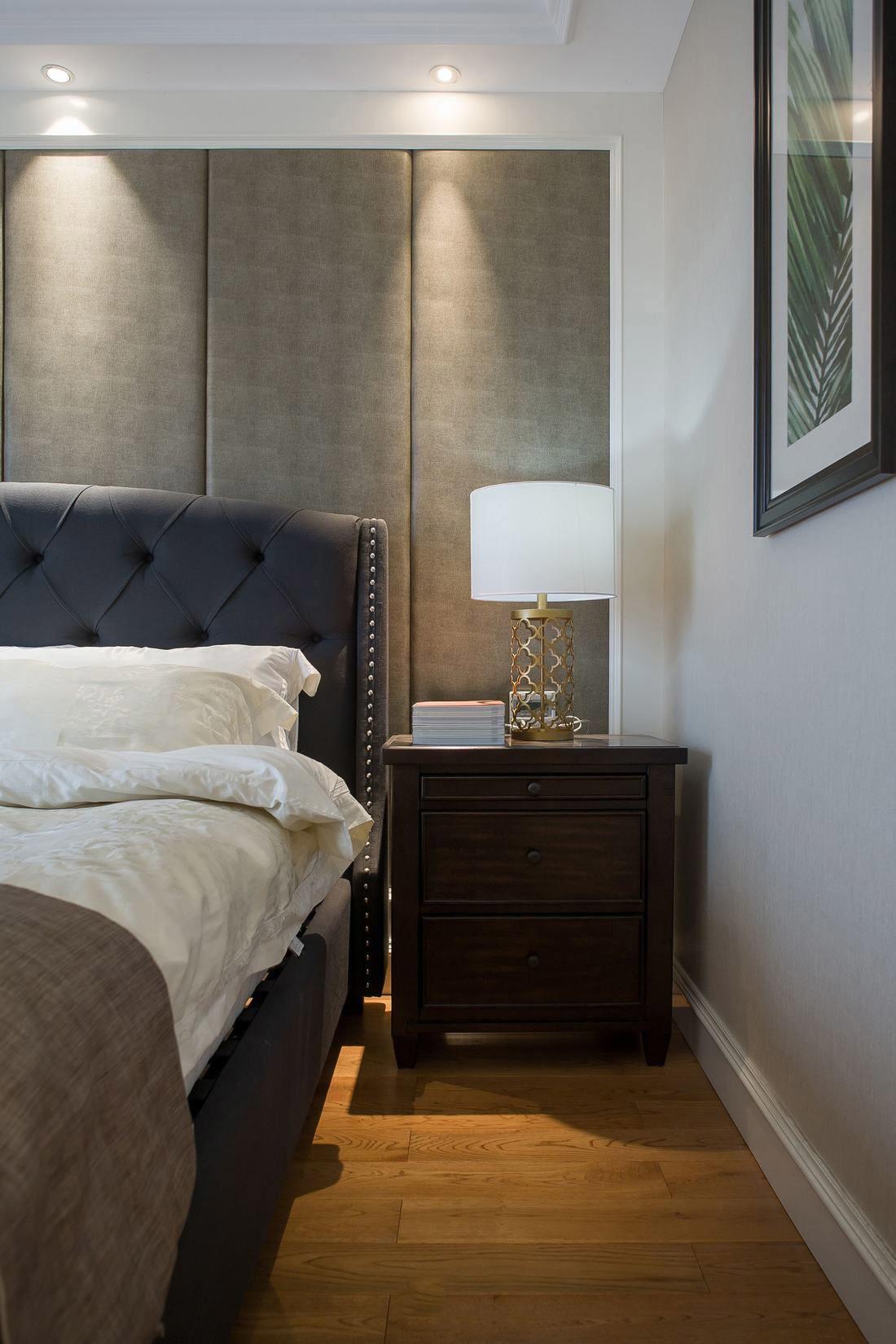简易美式风格卧室床头软包效果图片欣赏