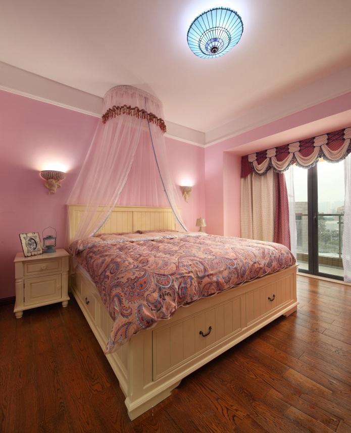 温馨美式风格别墅卧室设计装潢效果图片_装修百科