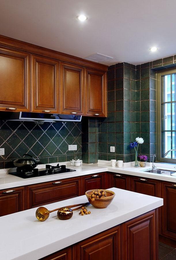 华丽古典欧式风格厨房设计装修效果图