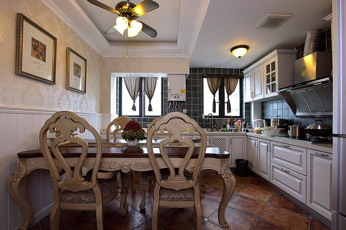 通畅欧式复古餐厨房整体设计装潢效果图_装修百科