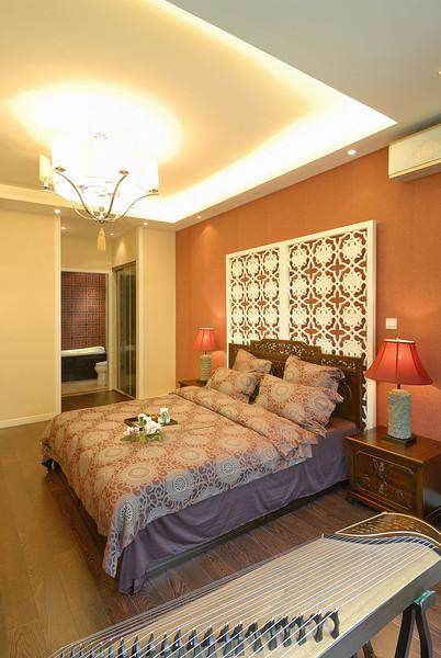 橙色新中式臥室鏤空屏風背景墻設計