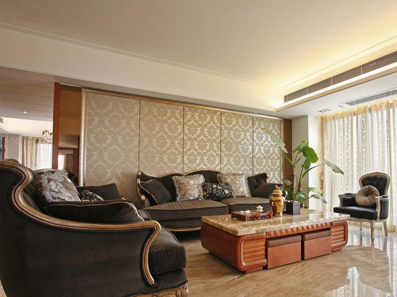 低奢欧式客厅金色沙发背景墙装饰_装修百科