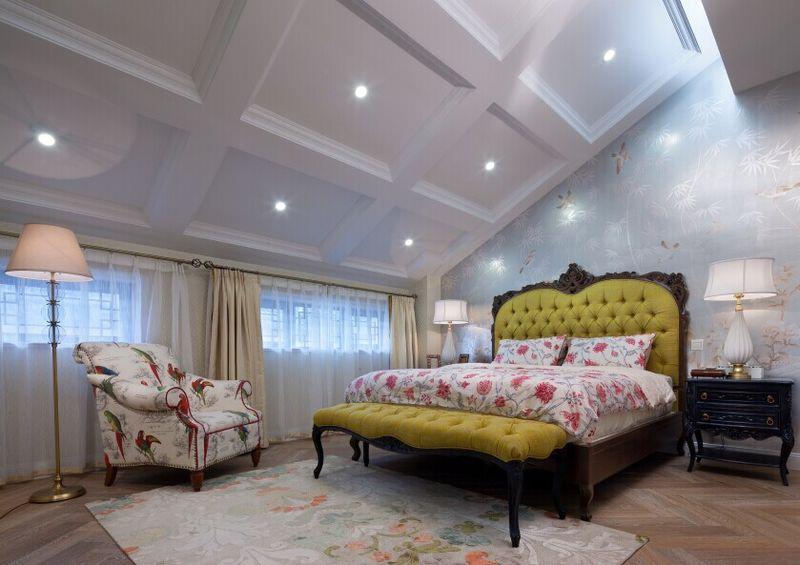 新古典风格斜顶卧室墙面装修效果图