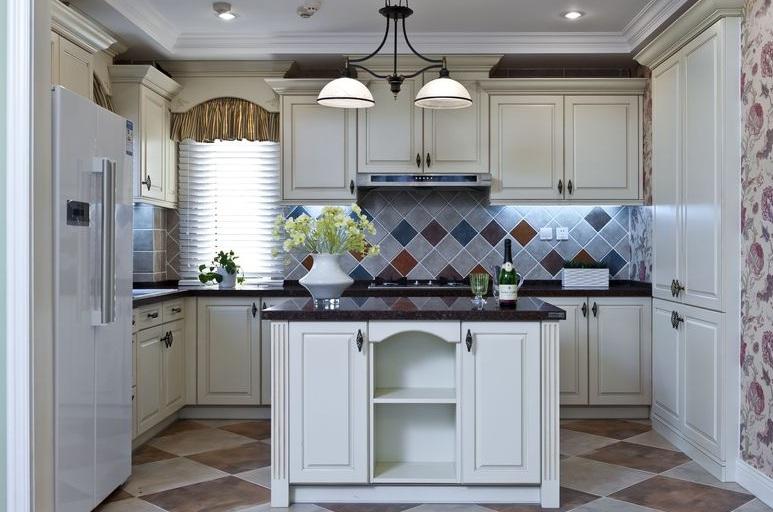 美式复古厨房白色橱柜效果图_装修百科