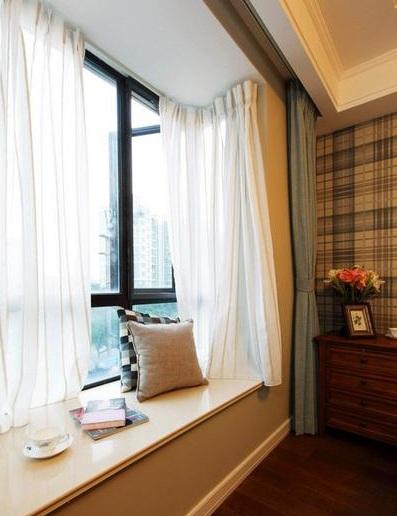 复古美式卧室飘窗白色窗帘效果图_装修百科