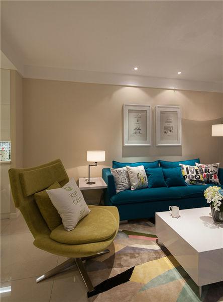 多彩现代客厅蓝绿色沙发效果图_装修百科